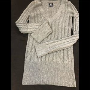 American Eagle Outfitters cable knit M